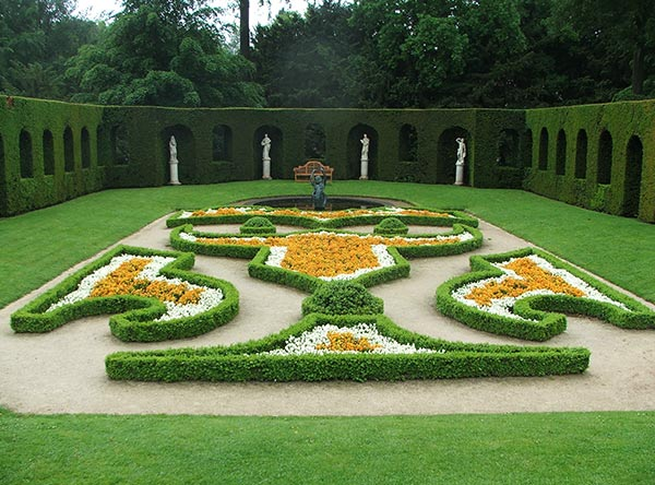 Parterre gardens ferrebeekeeper for Innendekoration munsingen