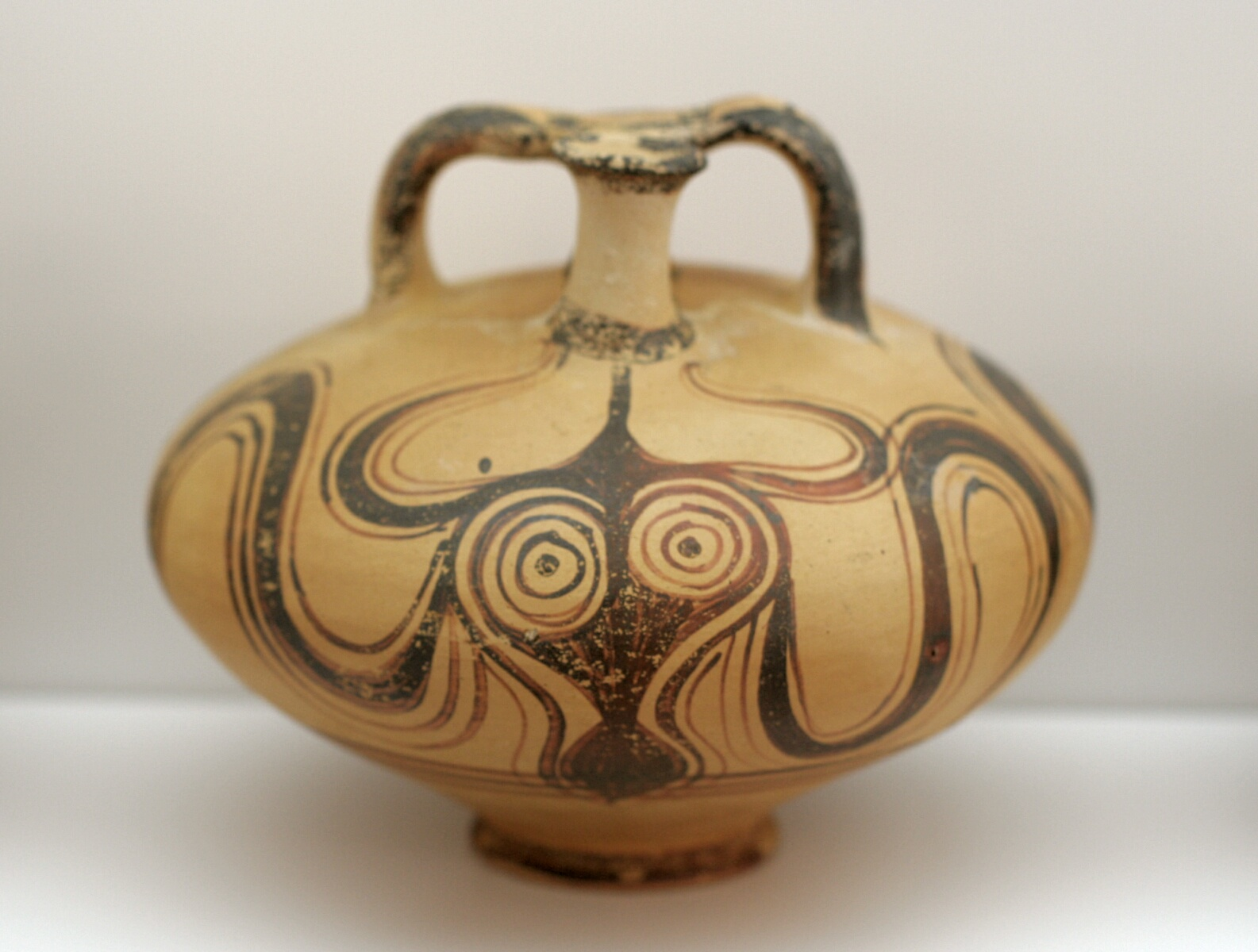 The octopus motif in ancient greek ceramics ferrebeekeeper for Ancient greek pottery decoration