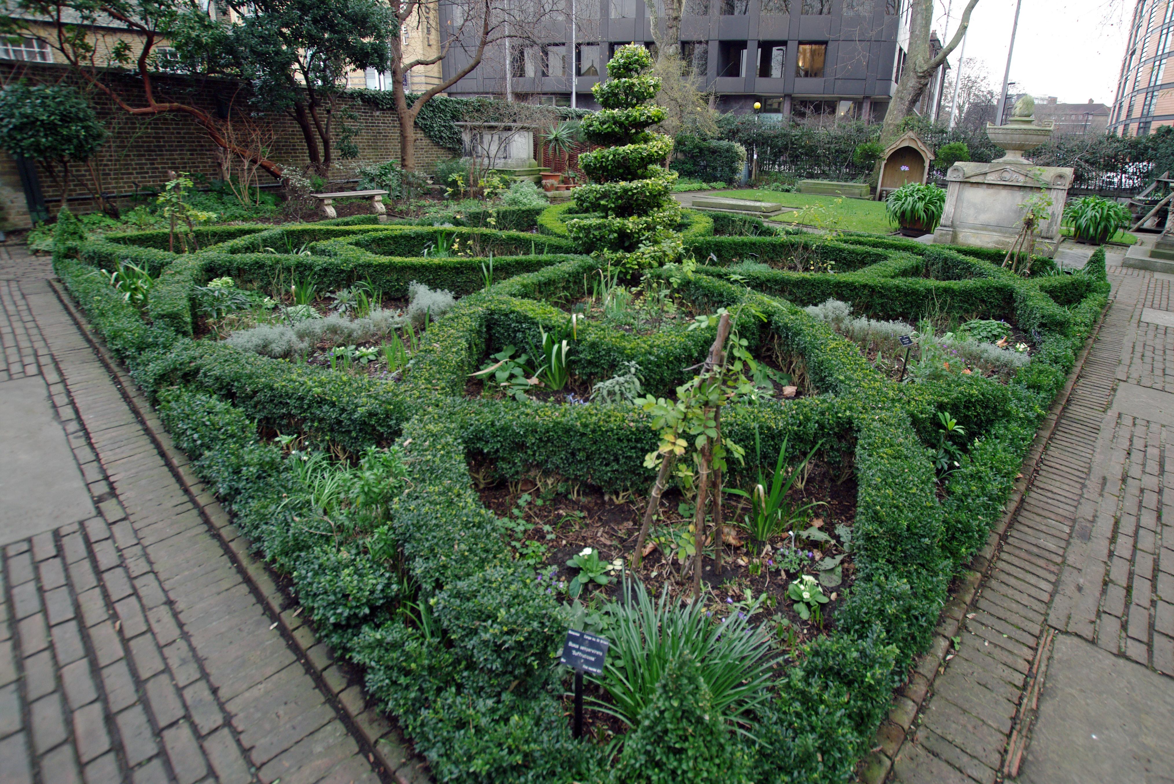 london_garden_museum_-14_knot_garden.jpg