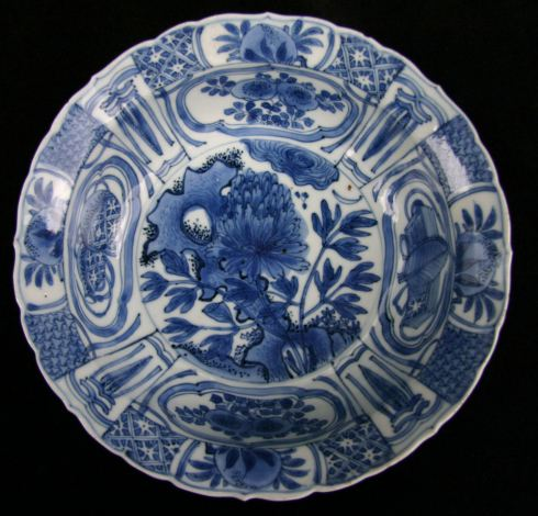 Chinese blue and white kraak, Wanli (1573-1619), a peony emerging from rockwork