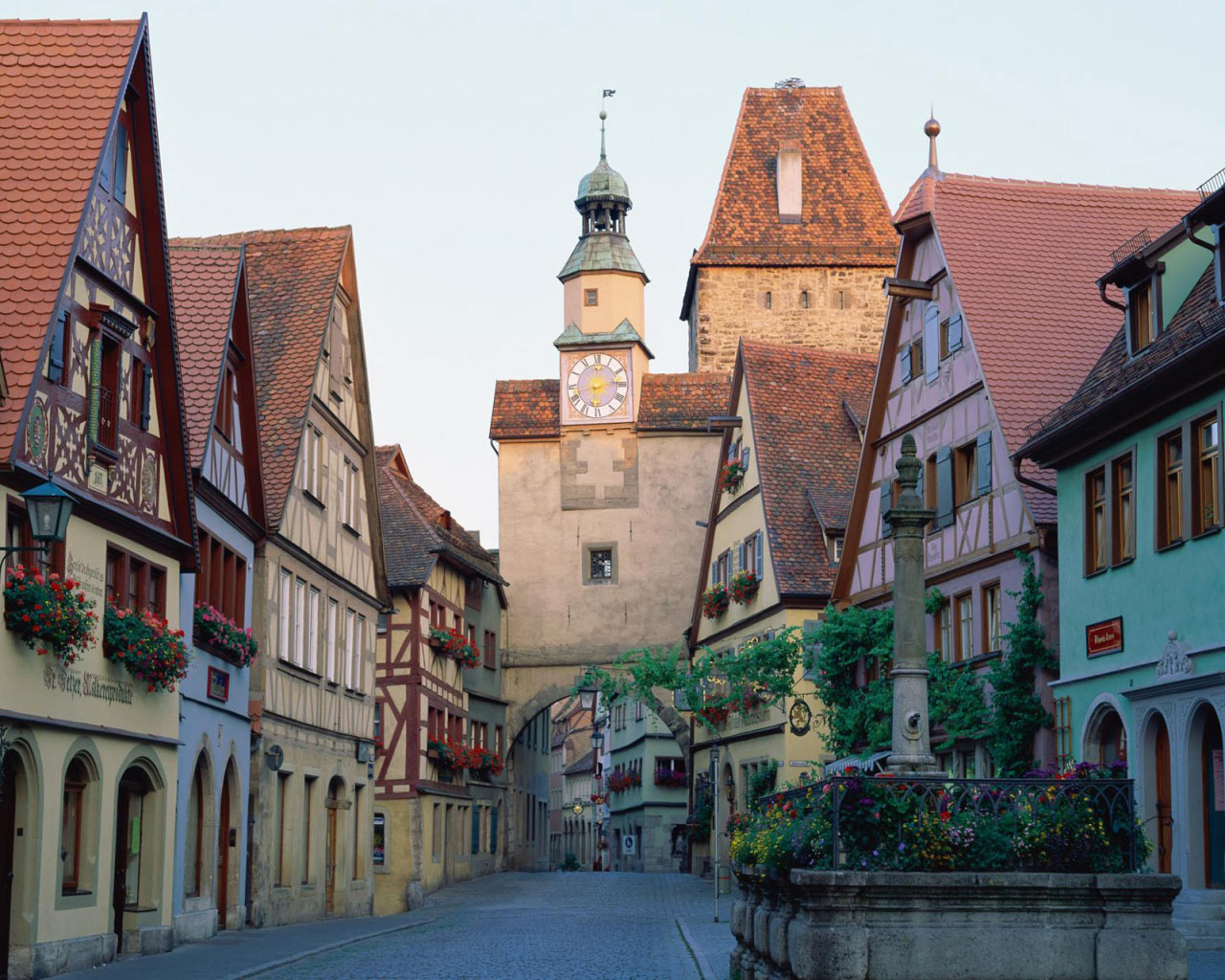 July 2013 ferrebeekeeper - Rothenburg ob der tauber alemania ...