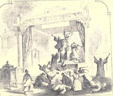 Hong Xiuquan and followers destroying Kan-wang-ye Idol in 1844
