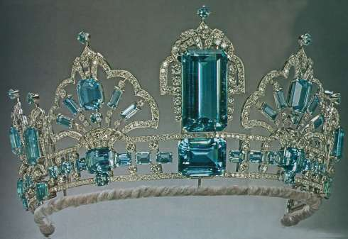 Aquamarine Tiara belonging to Queen Elizabeth II