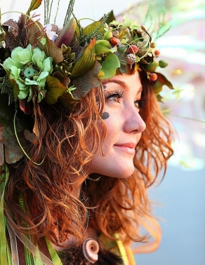 flower headdress (from angelictoo)