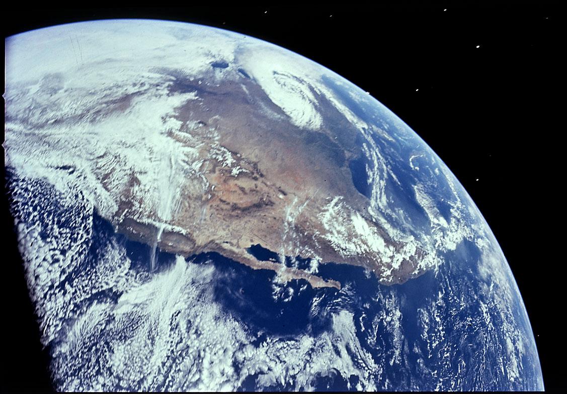 apollo16_earth_northamerica