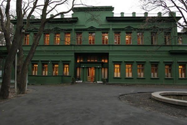 Stalin's Dacha at Kuntsevo (by Gordon Abben)
