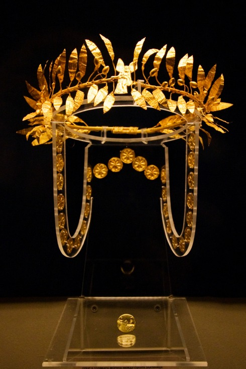 Ancient Etruscan Gold Wreath and Ring circa 4th Century BC