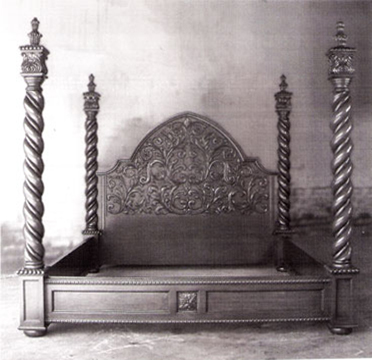 Hollywood-Gothic-Bed-copy