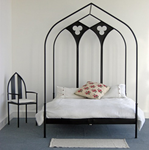 ribbed_arch_bed_trefoil