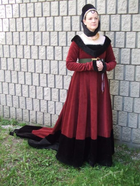 A burgundy gown in the style of late Medieval Burgundy... (from sevenstarwheel)