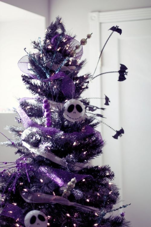 wchristmastree 5 tumblr_mxwuwe2njr1svgz44o3_500 - Gothic Christmas Decorations