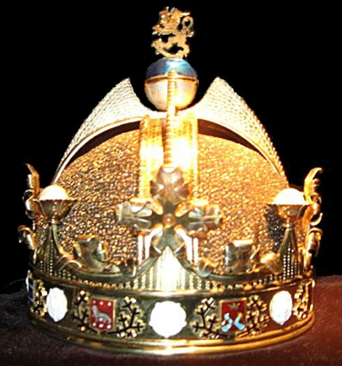 The crown of the King of Finland and Karelia, Duke of Åland, Grand Prince of Lapland, Lord of Kaleva and the North
