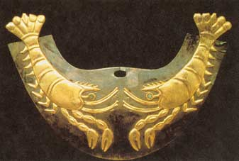 Golden Moche Nose-Ornament in the shape of Lobsters