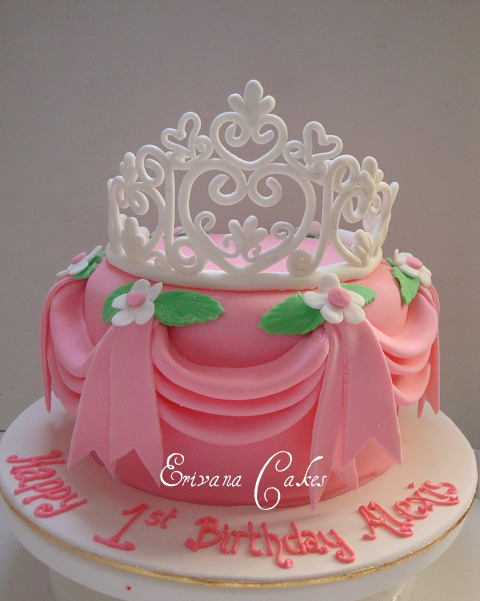 Princess Crown Cake Pictures : crowns ferrebeekeeper