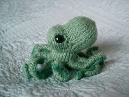 knit Octopus (found on craftster.org)