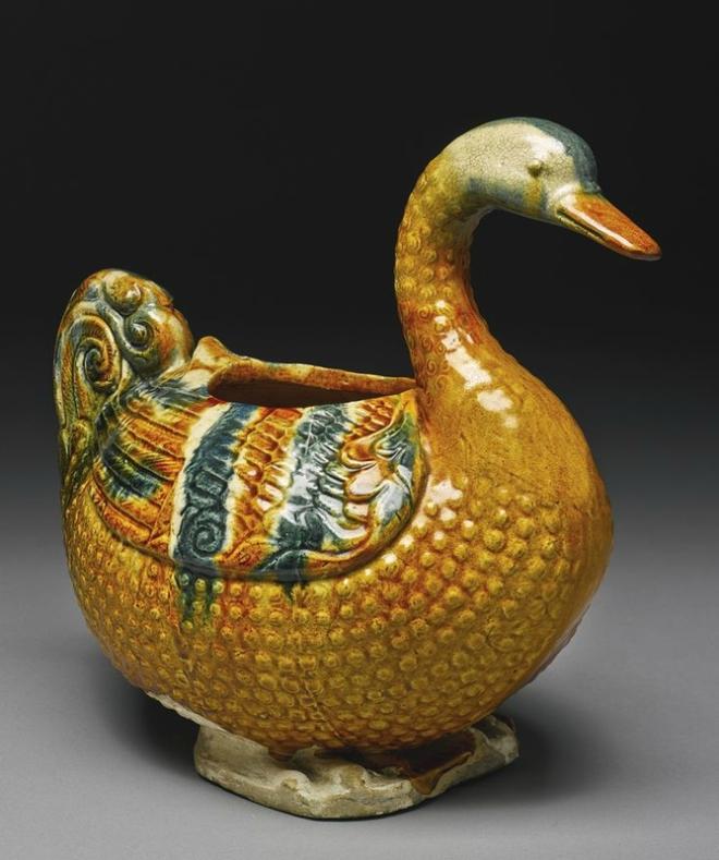 Sancai Glazed Pottery Goose-Form Vessel (Tang Dynasty)