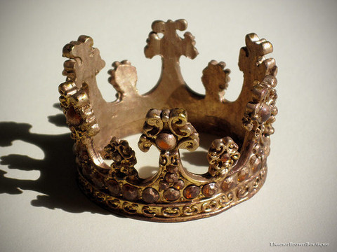 Golden Santos Doll Crown with Amber Rhinestones