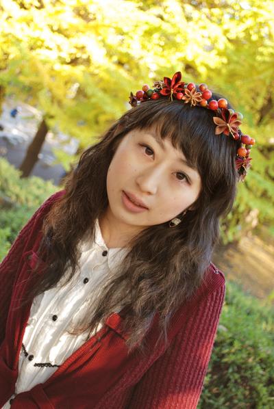 Autumn Leaves Crown (by hanatsukuri of Deviantart)