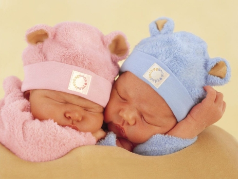 two-little-sleeping-babies.-One-with-pink-and-one-with-blue-clothes-and-hat-Beautiful-Baby-Wallpapers