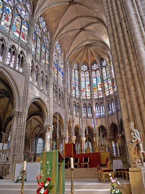 Coeur_de_la_Basilique_de_Saint-Senis