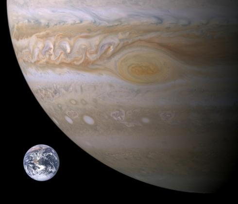 jupiter-earth-df09cea5
