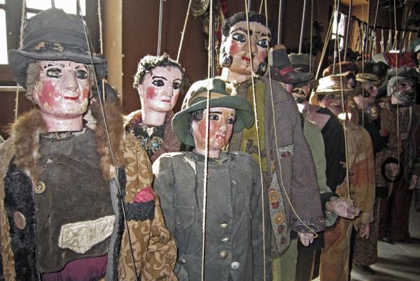 34-dead_puppet_society.jpg