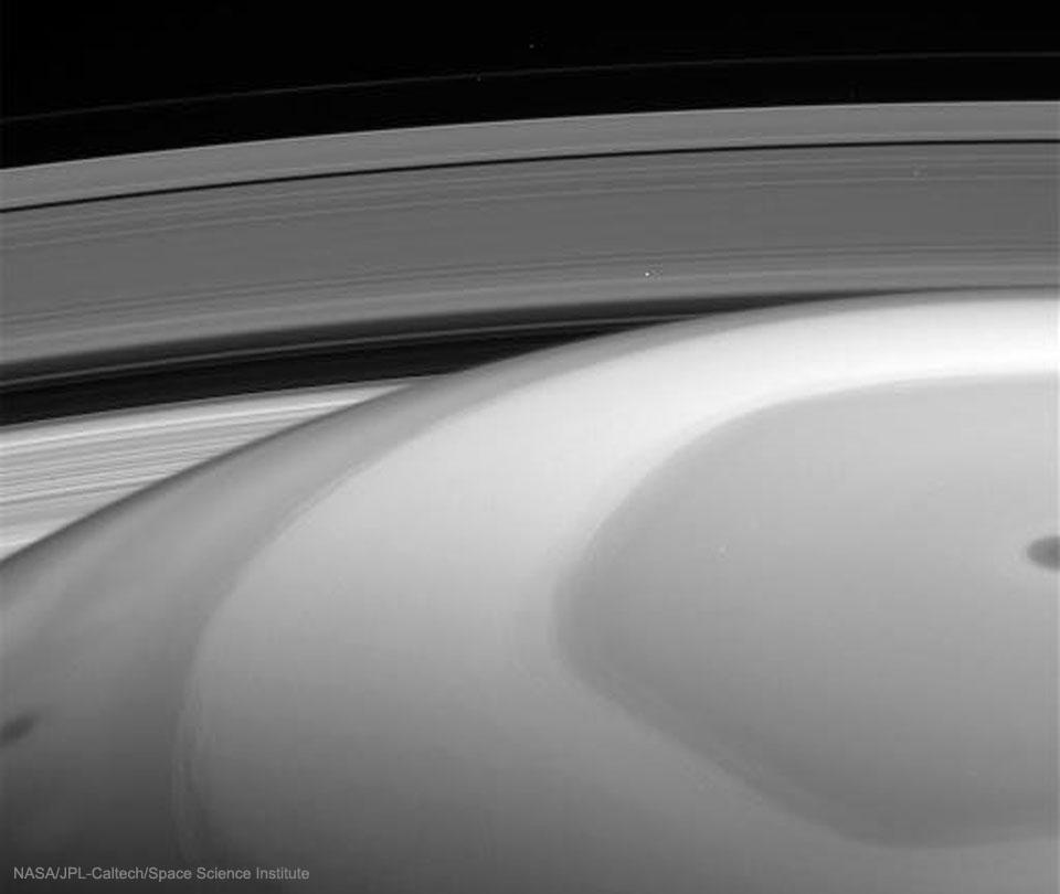 SaturnInsideOut2_cassini_960.jpg