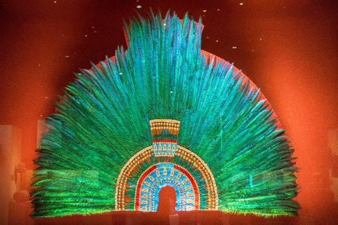 Feather_headdress_Moctezuma_II.JPG