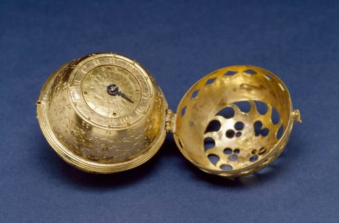 1280px-German_-_Spherical_Table_Watch_(Melanchthon's_Watch)_-_Walters_5817_-_View_C