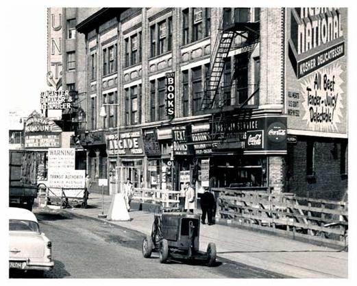 arcade-outside-of-the-paramount-theater-dekalb-flatbush-brooklyn-ny-35