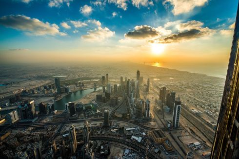 Dubai_Sunset_from_Burj_Khalifa.jpg