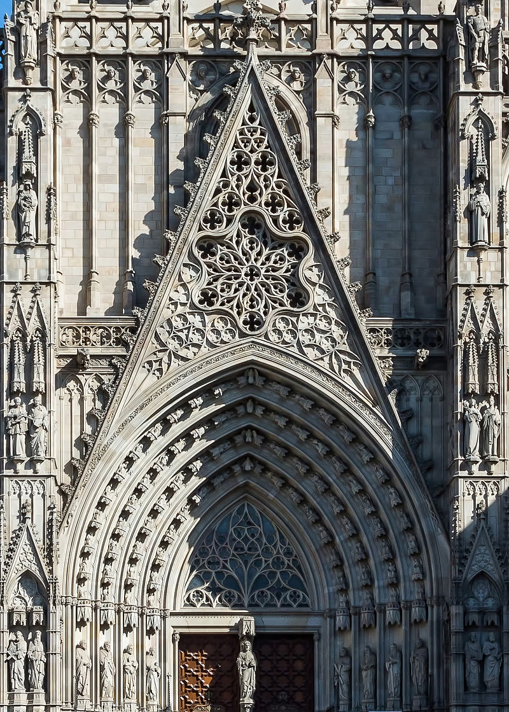 Barcelone_-_Cathédrale_-_Portail_principal.jpg