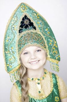 28c5b61e916a54ae4021dd32fc16bc79--russian-folk-russian-girls.jpg