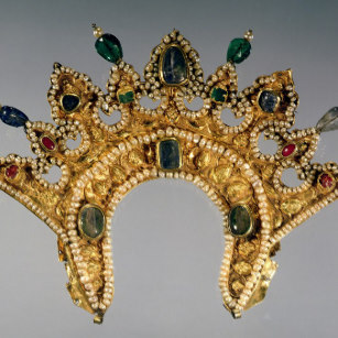 russian_diadem_gold_set_with_pearls_christmas_ornament-rab40734bc53642cfbd1bfdc3feb547bd_x7s2p_8byvr_307.jpg