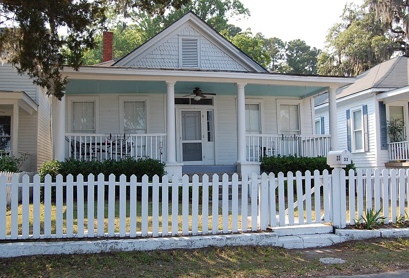 Historic-Home-with-a-Haint-Blue-Porch-Ceiling.jpg