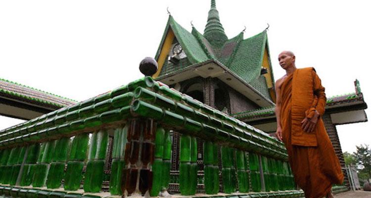 Wat-Pa-Maha-Chedi-Kaew.jpg