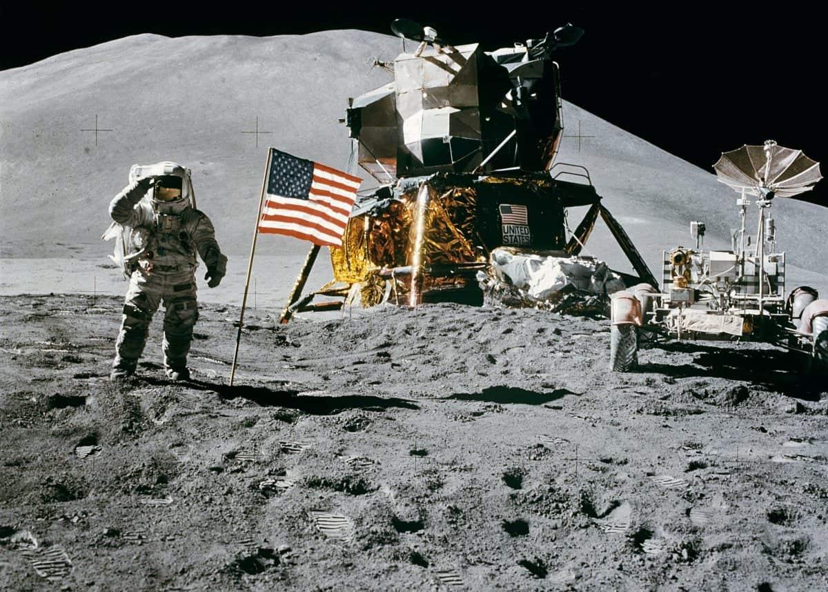 a7a5bfcf-moon-landing-1969.dpi_72-1200x858.jpg