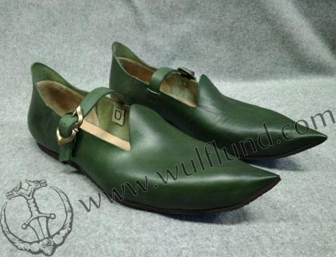 medieval_green_shoes_n002-b.jpg