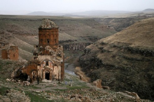 vanishing-medieval-armenian-city-ani-known-as-the-city-of-a-churches-kars-turkey--10567.jpg