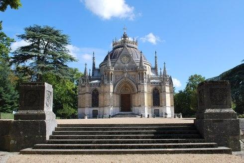 1280px-Domaine_de_la_chapelle_royale_Saint-Louis