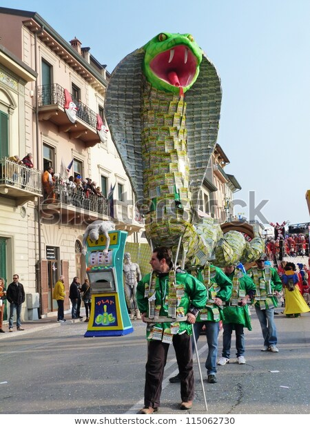viareggio-italy-march-4detail-carnival-600w-115062730